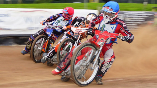 Heat 3 First Corner : Image By Ian Groves
