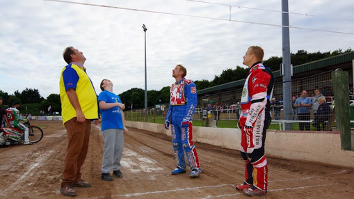 The Coin Toss : Image By Ian Groves
