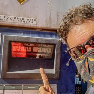 Solar Powered Refridgerator Unit Holding Temp 20 degrees