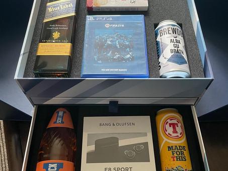 Το δώρο του αρχηγού Andy Robertson στους συμπαίχτες του