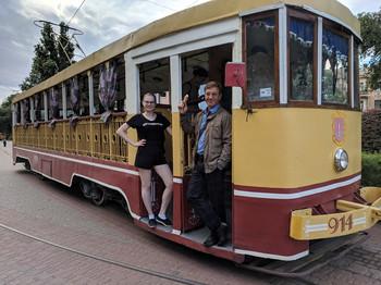 Катались на ретро-трамвае на ЛСД