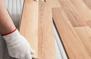 Laminate-Flooring-GettyImages-1163902992