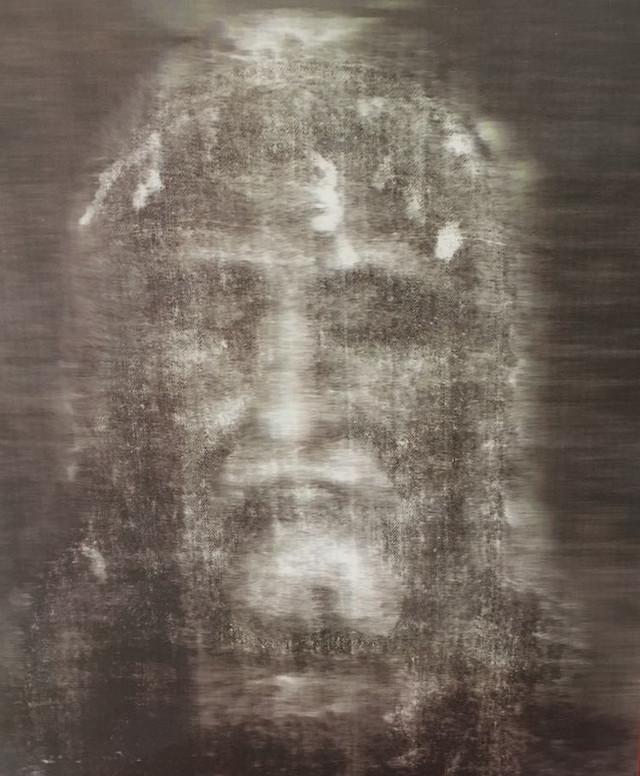 La Sábana Santa: Un Testigo Silencioso de Cristo