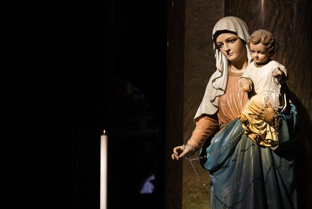 A Jesús por María: 5 Experiencias de Fe de Mujeres como Tú