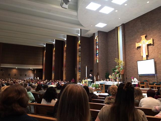 Cuando las Mujeres Católicas se Reúnen...