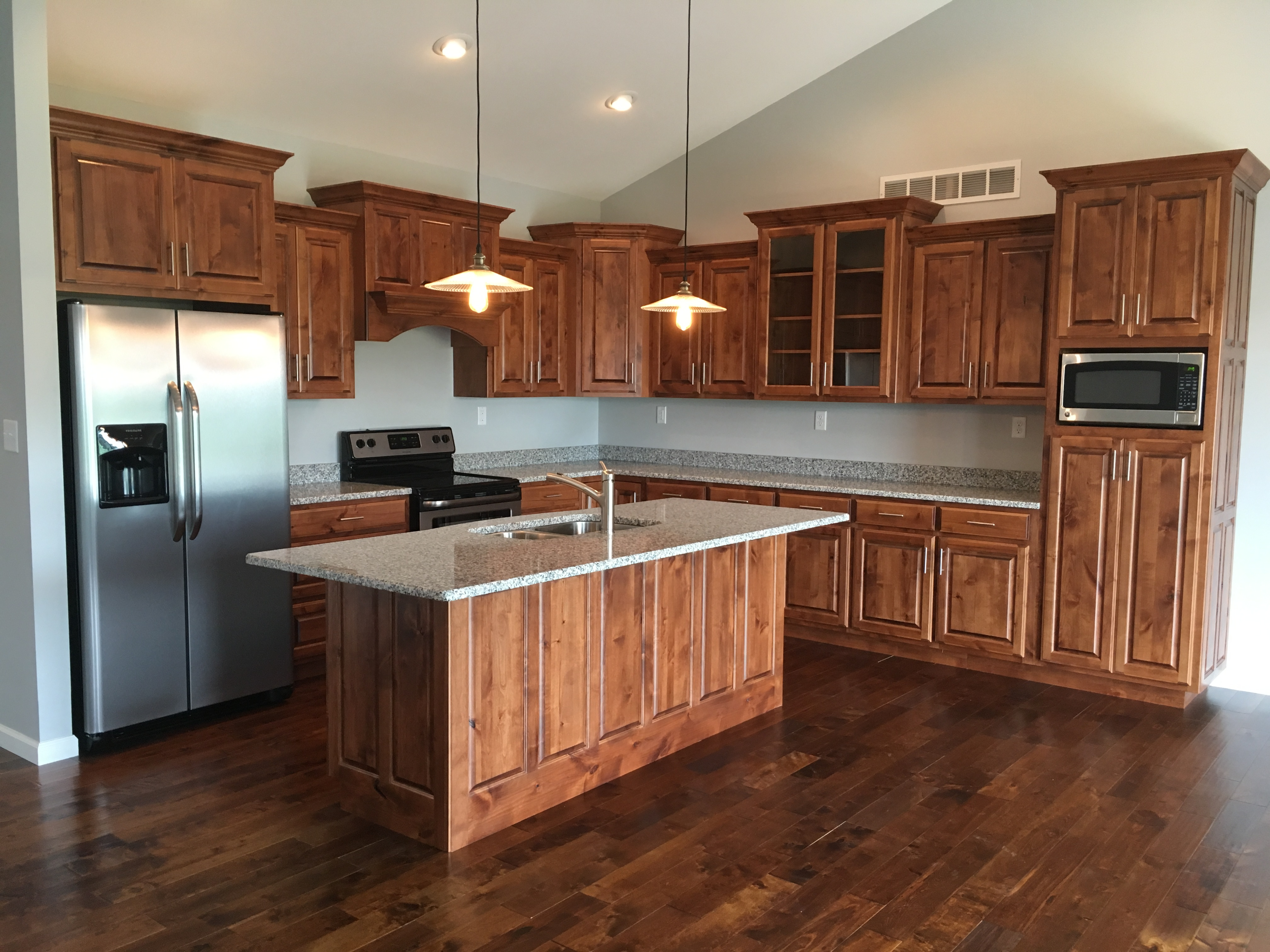 Kitchen with custom-made cabinetry