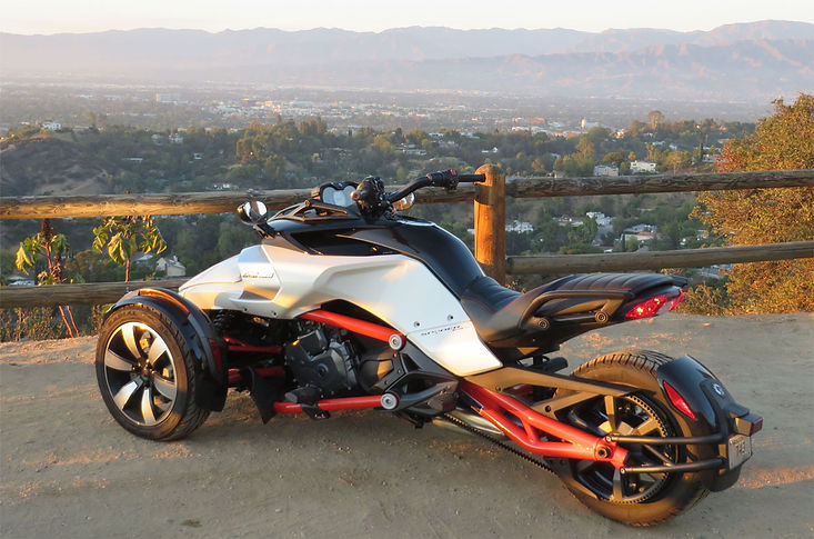 Can Am Spyder F3 overlooking California city