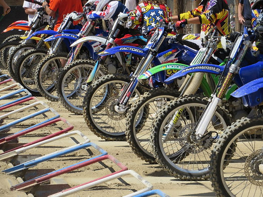 40 Years of Women's MX, bikes at the starting line