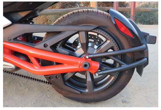 Can An Spyder F3 rear wheel closeup