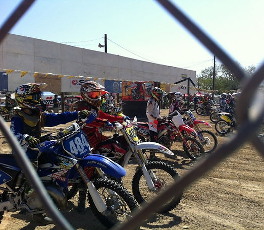 40 Years of Women's MX, Racers waiting for lineup