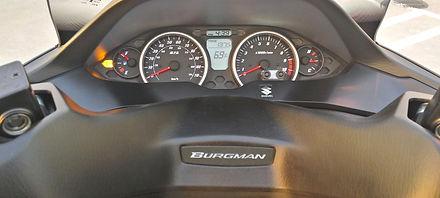 Suzuki Burgman 400, Instrument panel