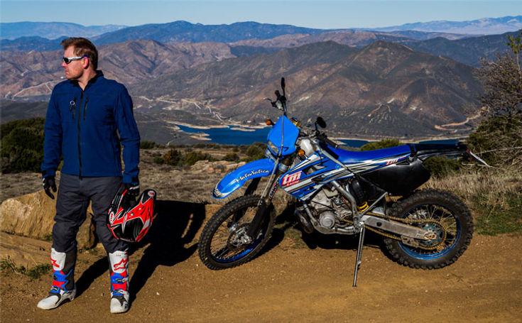 Matt Hansen, Aether motorcycle Jacket and Pants, Tech 10 Alpinestars boots, California hills, TM, Bell Helmet, Oakley, Santa Clarita