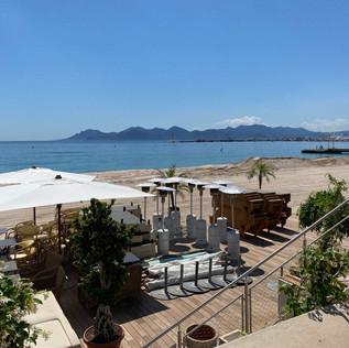 Cannes : Sur la Croisette, les plages se préparent pour la réouverture
