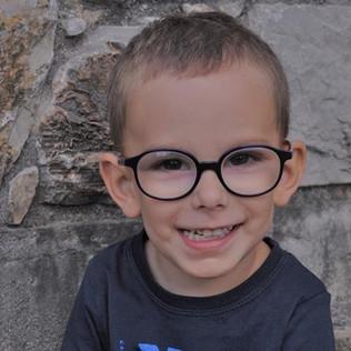 Pour Louca, 3 ans, le combat continue contre sa maladie génétique