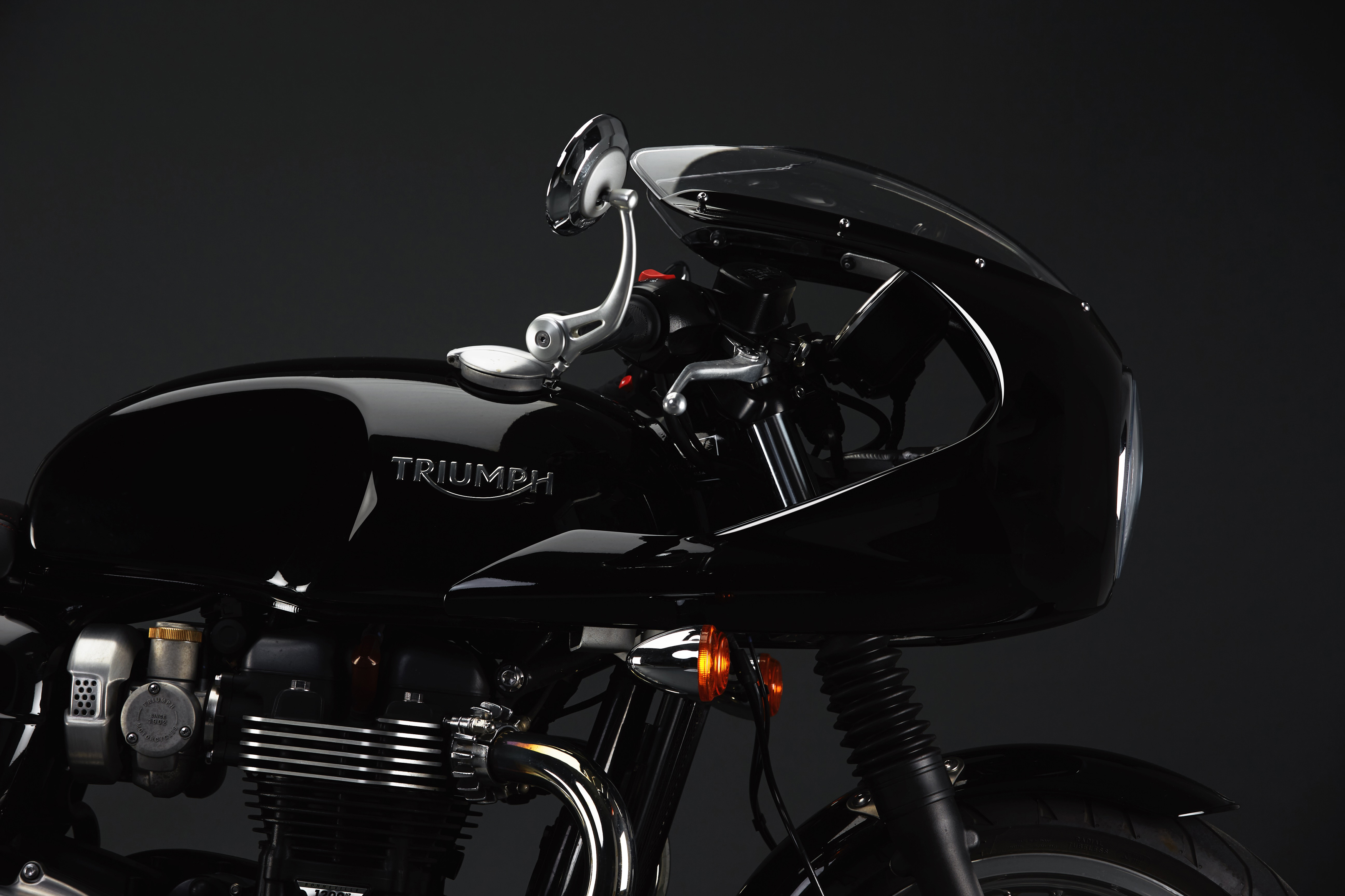 Triumph Thruxton 2016