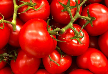 cherry-tomatoes-close-up-colors-1327838.