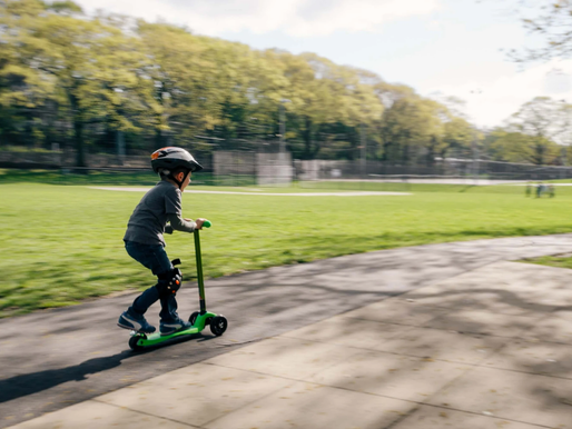 Should You Choose a Gas Or Electric Scooter For Your Child?