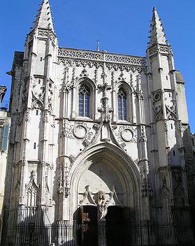 Avignon,_Église_Saint_Pierre..jpg