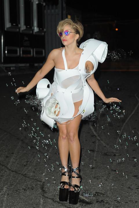 Lady Gaga / Anemone