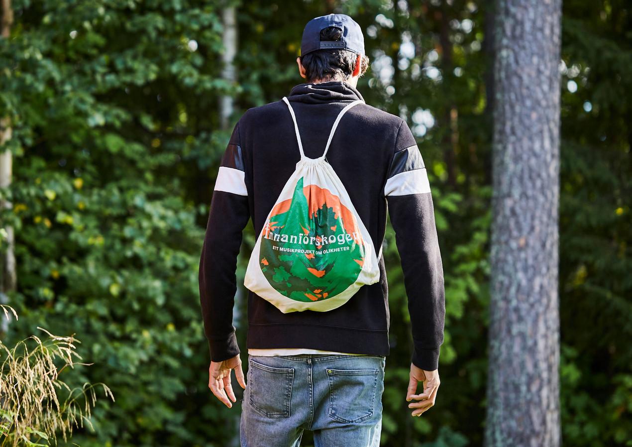Innanförskogen_tygpåse_merchandise_vuxen
