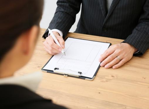 管理職は外から採用する