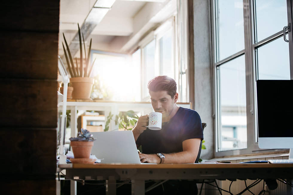 business-man-in-modern-workplace-PCDD276