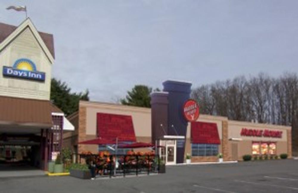 Huddle House franchise featured on BizCom PR publicity campaign