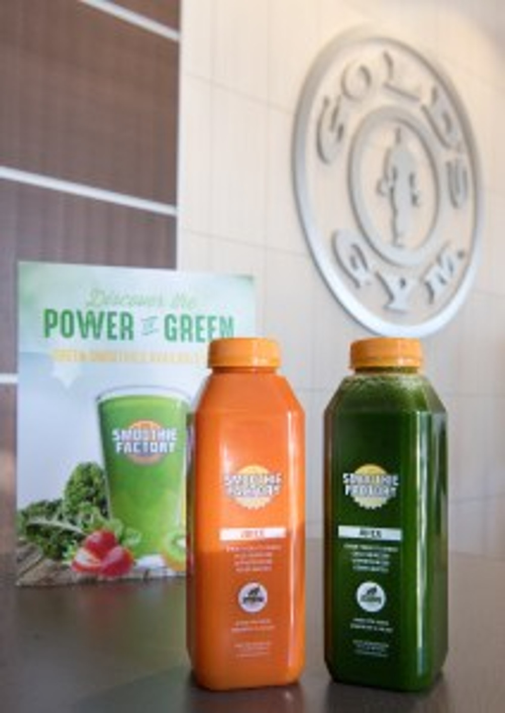 Gold's Gym members can finish their workouts at Smoothie Factory in new test locations.