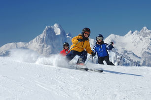 family_skiing_holidays.jpg