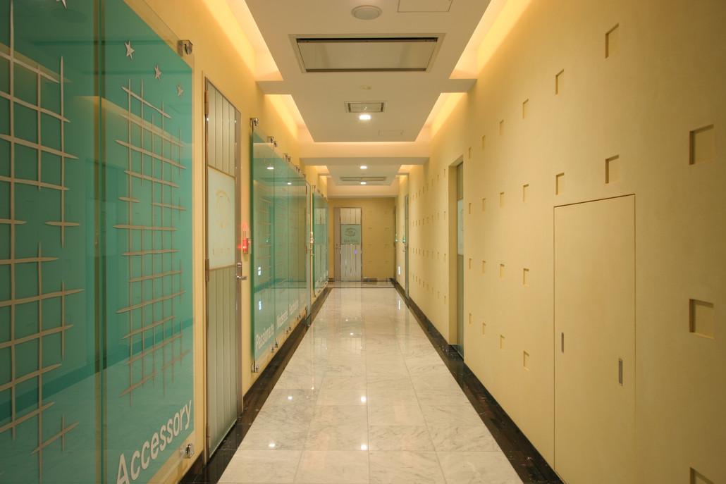 3階廊下...JPG