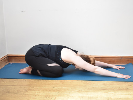 3 Easy Yoga Moves To Do Before You Go To Bed.