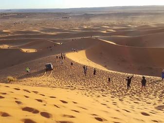 4L Trophy : l'équipage soutenu par Aurignac livre des fournitures scolaires pour le sud marocain