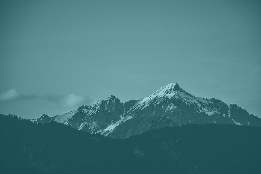 snow-top-mountain-under-clear-sky-105421
