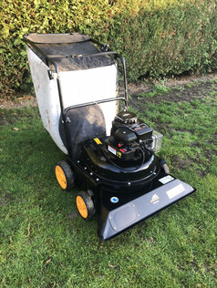 McCulloch Push Leaf Vacuum (serviced)