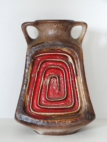 Ü Keramik Centerpiece