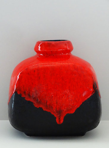 Ruscha Red Black