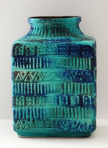 Bay Keramik Incised