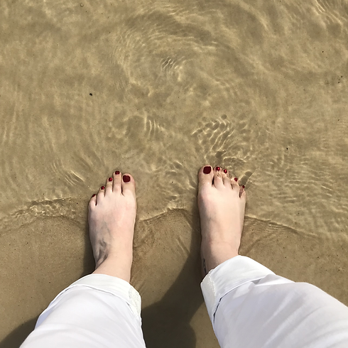 Toes-in-the-Sand.png