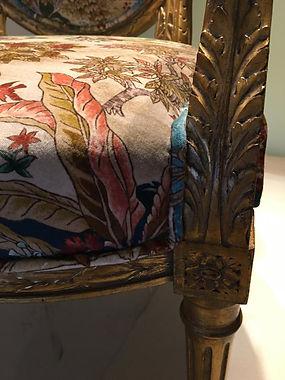 goldene Sessel
