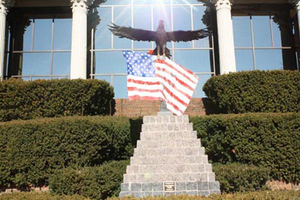 exterior eagle 1