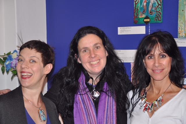 Nicki Greenberg, Jo, Linda Douglas