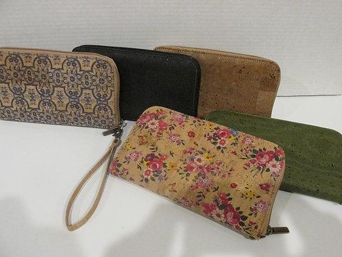 Large wallet / wristlets