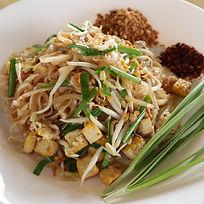 pad tai Bees Garden Cooking School Chiang mai