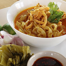 khao soi with chicken Bees Garden Cooking School Chiang mai