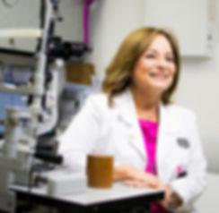unidad laser cirugia oftalmologia maria lucia fernanez de castro