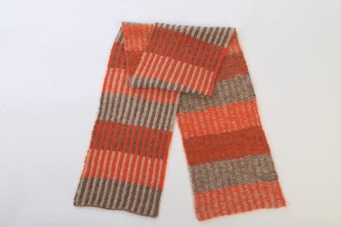 Zachte gestreepte sjaal in 100% alpaca wol