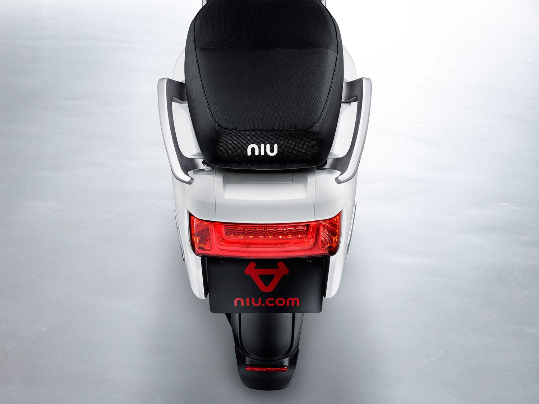N1-Sitzklappe-zu