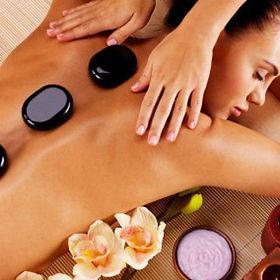 Massage aux pierres volcaniques.jpg