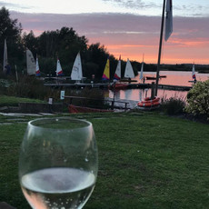 Maidenhead Sailing Club Bar