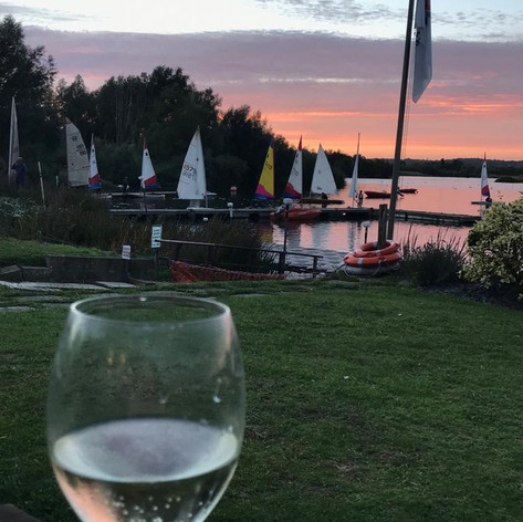 Maidenhead Sailing Club Bar